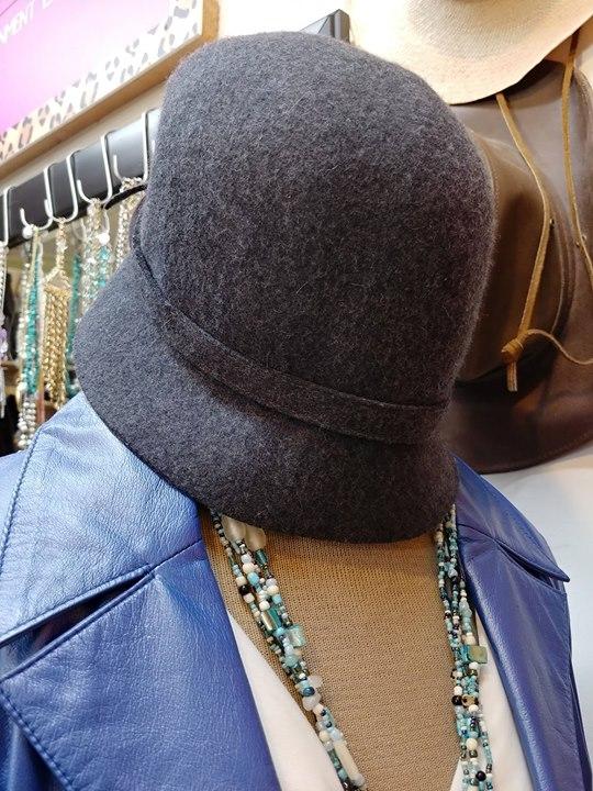 Banana Republic Wool Hat at Fashion Trade  01f0bc91d3dc